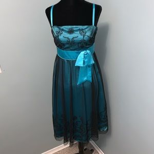 Le chateau turquoise and black party dress size xs